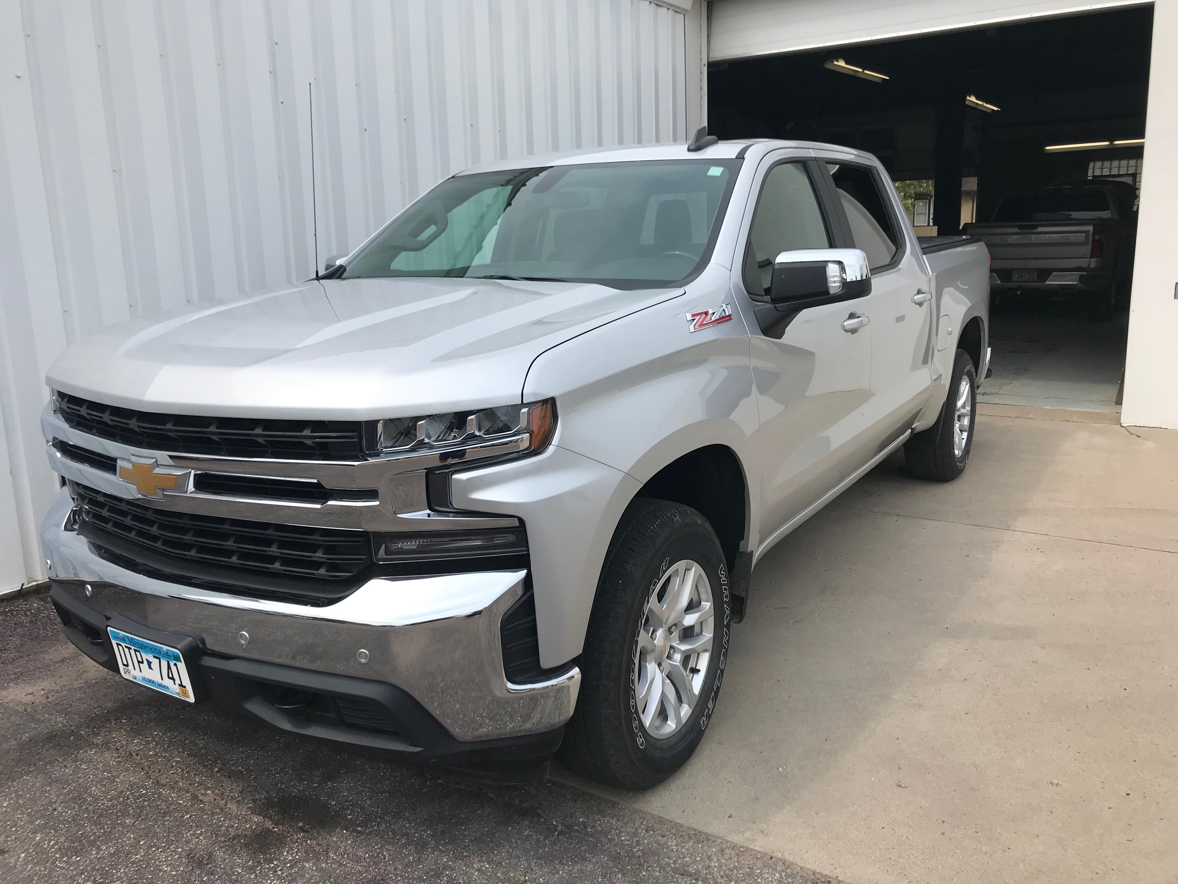 Certified 2020 Chevrolet Silverado 1500 LT with VIN 3GCUYDED6LG277250 for sale in Arlington, Minnesota